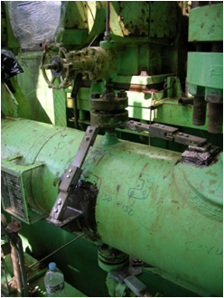 Small Bore Fitting (appurtenance) with damper link to suppress vibration fatigue
